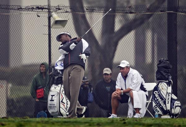 Vijay Singh on the practice range at Torrey Pines last week.