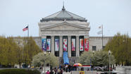 The Shedd Aquarium reclaimed its attendance title among the nation's major non-profit aquariums after trailing the relatively new Georgia Aquarium in Atlanta for the last five years.