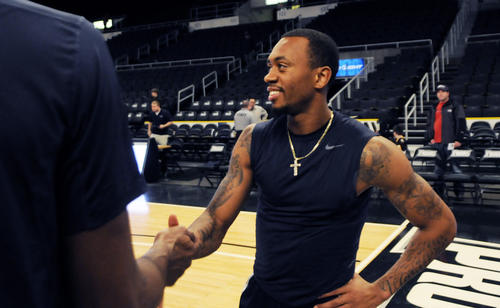 Ryan Boatright greets his teammates during warm-ups.