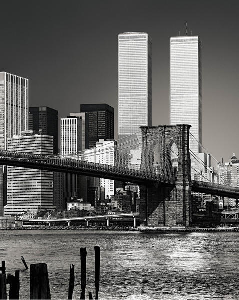 World Trade Center towers and Brooklyn Bridge, New York | Architect: Minoru Yamasaki