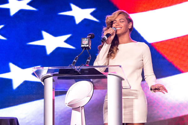 Beyonc performs at the Pepsi Super Bowl XLVII Halftime Show Press Conference.