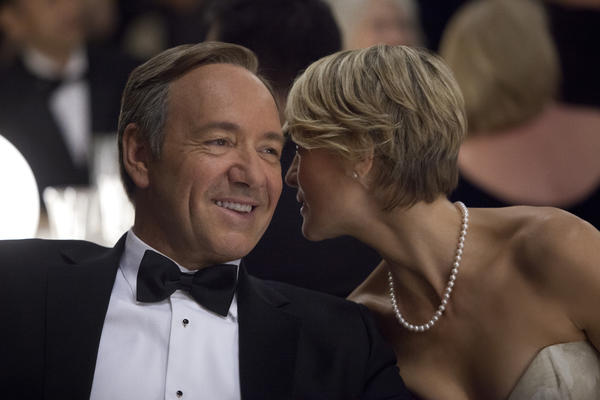 "Kevin Spacey and Robin Wright star in the political drama ""House of Cards,"" which is generating brisk social media buzz. Netflix released the entire 13-episode season all at once."