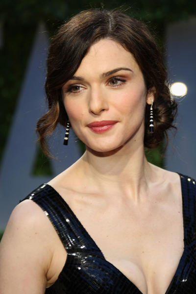 "Gorgeous actress Rachel Weisz looks kind of like a mixture of <a class=""taxInlineTagLink"" id=""PECLB003990"" title=""Kate Winslet"" href=""/topic/entertainment/movies/kate-winslet-PECLB003990.topic"">Kate Winslet</a> and <a class=""taxInlineTagLink"" id=""PECLB002836"" title=""Keira Knightley"" href=""/topic/entertainment/keira-knightley-PECLB002836.topic"">Keira Knightley</a>. She turns 39 today."