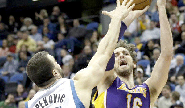 With Dwight Howard out, Pau Gasol took advantage of his opportunity to start against the Minnesota Timberwolves where he racked up 22 points, 12 rebounds and three blocks in the Lakers' 111-100 win.