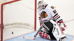 Blackhawks fall to Canucks in shootout