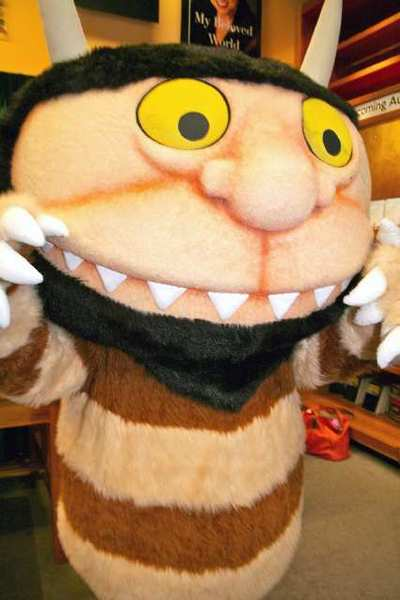 "A ""Wild Thing"" from Maurice Sendak's ""Where the Wild Things Are"" pays a visit to Vroman's Bookstore in Pasadena."