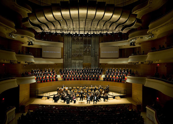 Times pop music writer Randy Lewis joins the Pacific Chorale and the Pacific Symphony during Mozart concerts in Costa Mesa.