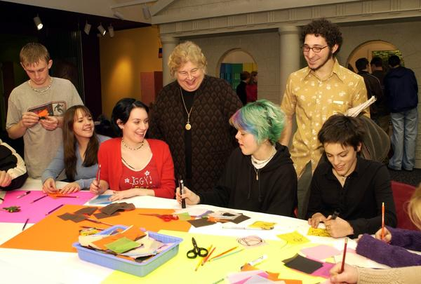 2002 Allentown Art Museum Gala honoree Linny Fowler talks with students participating in the forthcoming I.D.E.A. exhibition at the Museum during a recent visit to Art Ways.  From left to right: Demyon Gyuran and Kellsey Maxwell, both from Quakertown Community Senior High School; Rory Hilliker from Palisades High School; Linny Fowler; Julia Phelps, Jerrold Adler, and Olivia Stefano, all from Palisades.