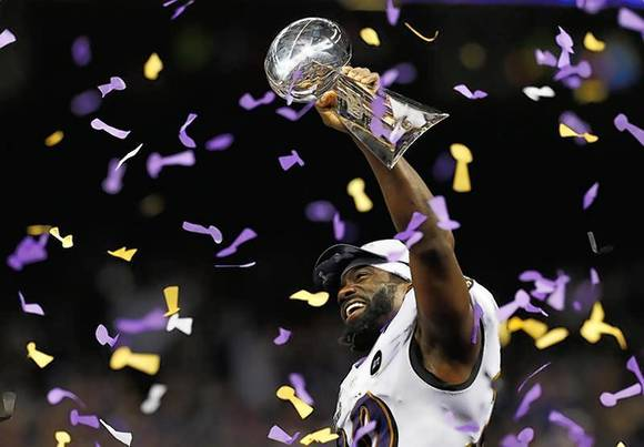 Ravens free safety Reed hoists Lombardi Trophy following victory in Super Bowl XLVII in New Orleans