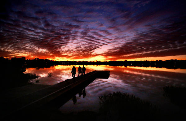 Sunset over Lake Minnehaha in Maitland, Fla., Friday, February 1, 2013.   (Joe Burbank/Orlando Sentinel)