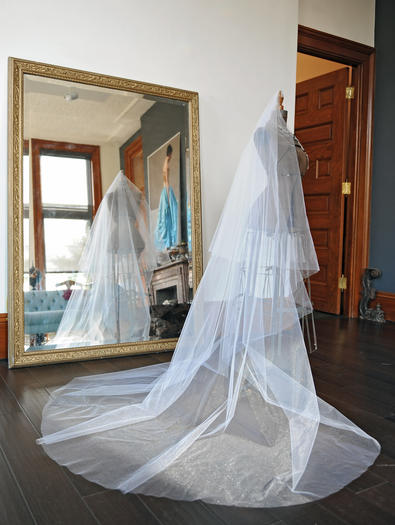 Can a vintage veil achieve the look of this new one?