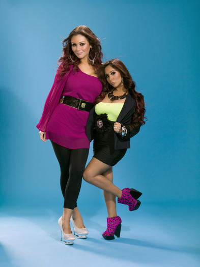 Snooki and JWOWW press shot