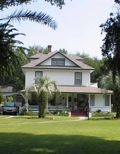 Florida Getaways of the Day - <b>Deland:</b> Victorian B&B is well-preserved