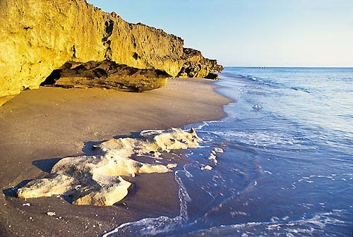 Florida Getaways of the Day - <b>Jupiter Island:</b> Blowing Rocks a magical destination
