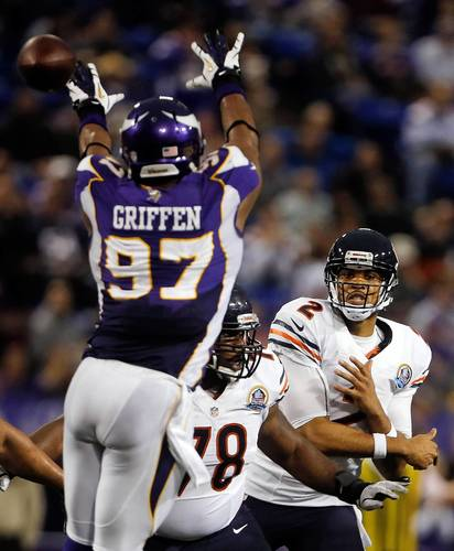 <p>Bears quarterback Jason Campbell passes around Vikings defensive end Everson Griffen in the fourth quarter.</p>