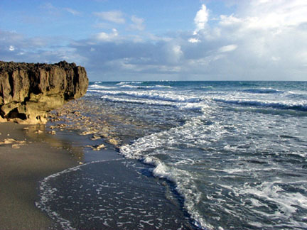 Florida Getaways of the Day - <b>Hutchinson Island:</b> Beach in a bathtub