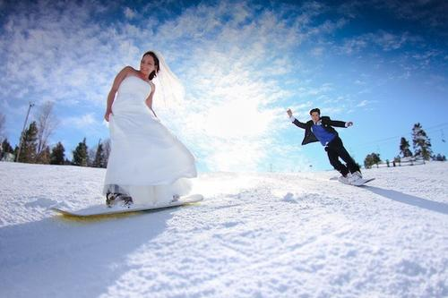 "Awww, these two snowboarders got married at the top of Snow Summit last year (here's the <a href=""http://www.youtube.com/watch?v=0WtM5r4Ff2w&feature=youtu.be"" target=""_blank"">wedding video</a> if you want to see more). Sweethearts rule this year at <a href=""http://www.bigbearmountainresorts.com/index_winter.php""_blank"">Snow Summit and Big Bear Mountain</a> on Valentine's Day. The ski resorts near Big Bear Lake are offering 2-for-1 lift tickets available Tuesday to Thursday. You have to buy online and in advance to take advantage of the deal. Lift tickets for two adults cost $59 and $49 for two young adults."