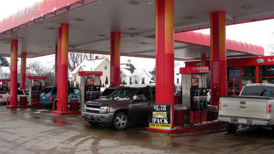 People buying gas at Sheetz on South Rosina and West Main Street on Thursday.
