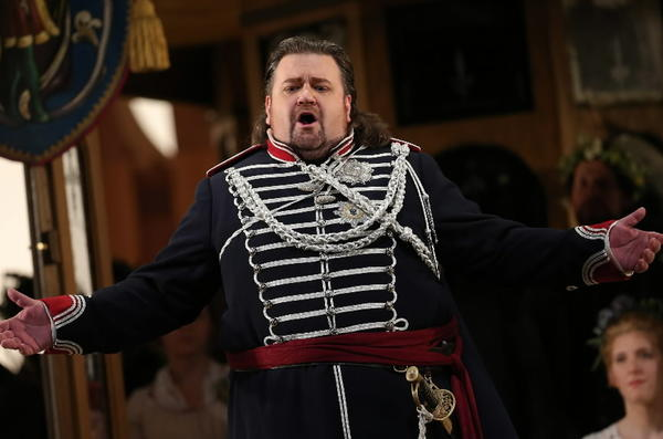 """Johan Botha, seen in Lyric Opera of Chicago's production of Wagner's """"Die Meistersinger von Nurnberg,"""" will perform in the upcoming """"Otello."""""""