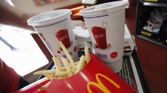 Customers in one Australian McDonald's can be seated and served meals on plates during a five-week trial.