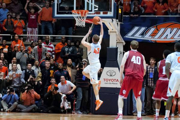 Illini forward Tyler Griffey hits the game-winning shot to defeat Indiana 74-72.