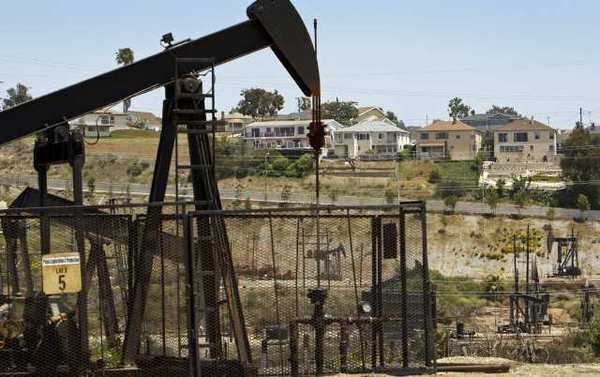 Residents in the Windsor Hills neighborhood of unincorporated L.A. County have raised concerns about possible fracking at a nearby oil field.