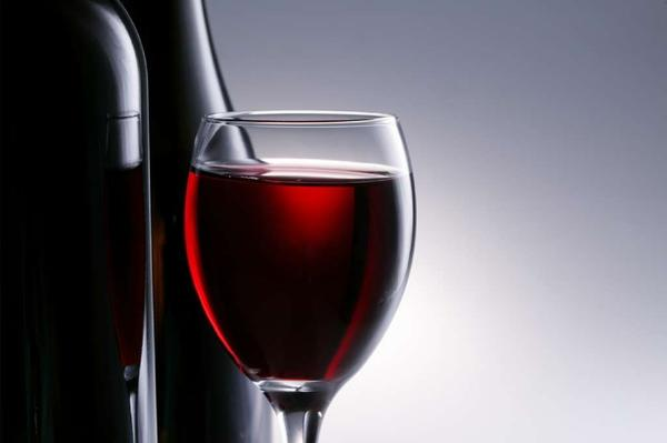 A bill in Washington state proposes letting under-21 winemaking students sip and spit.