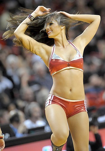 <b>Photos:</b> Miami Heat Dancers in action - The dance