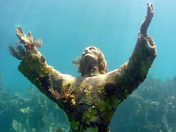 """The statue of """"Christ of the Abyss"""" is located at John Pennekamp Coral Reef State Park in <a class=""""taxInlineTagLink"""" id=""""PLGEO100100409030000"""" tit"""