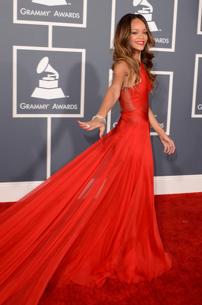 Grammy Awards 2013: Red Carpet Arrivals: Rihanna