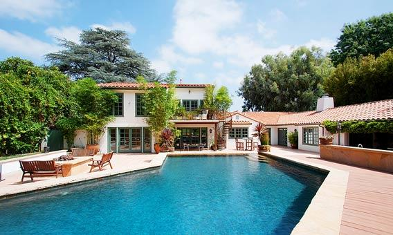 Rock star Pink has listed her Sherman Oaks property.