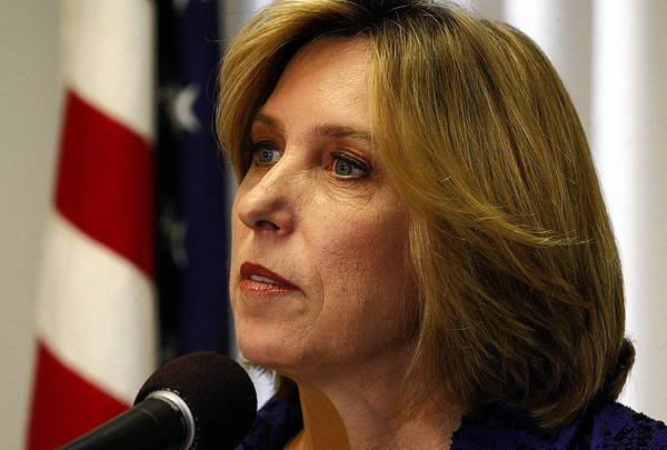 City Controller Wendy Greuel has promised to hire 2,125 new police officers and 726 new firefighters and paramedics by 2020, as long as the budget is balanced and tax collections are growing. She declined to say how much the plan would cost.