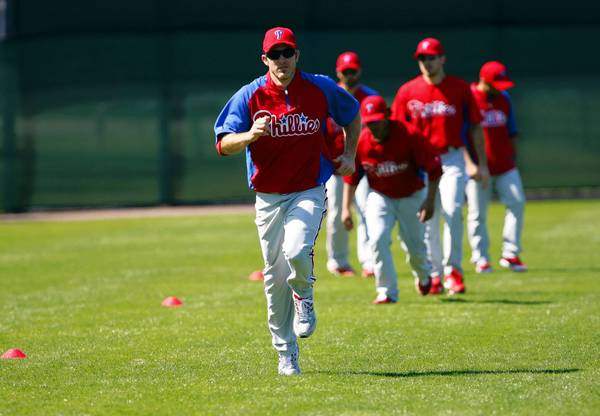 Phillies second baseman Chase Utley has indicated that his knees have not given him problems this offseason.