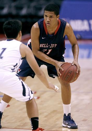 ARCHIVE PHOTO: Bell-Jeff guard Abid Oses will lead the Guards into the CIFSS playoffs.