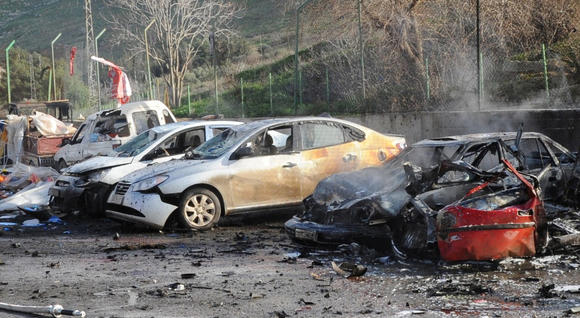Car bomb on Turkish-Syrian border kills 10, injures dozens