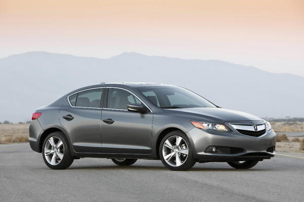 Introduced as a 2013 model, this compact sedan uses the same gas-electric powertrain as the Honda Civic.