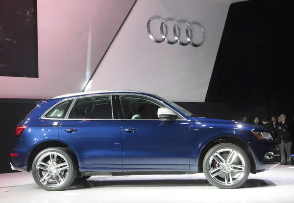 The Q5 is an all-wheel-drive SUV previously offered with a turbocharged gas four-cylinder or supercharged V-6, but now it also comes as a gas-electric hybrid.