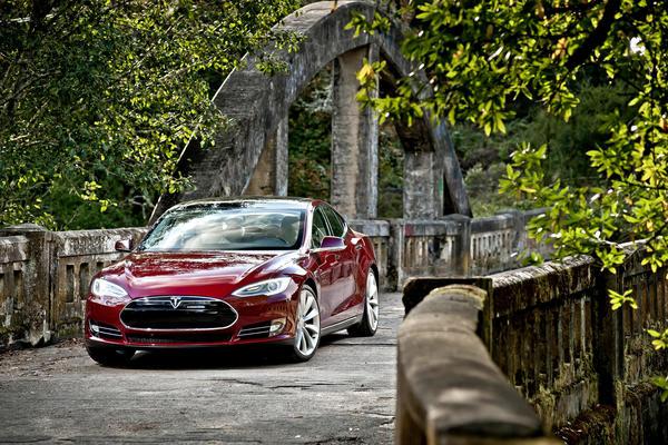 Tesla Ceo Elon Musk Disputes N Y Times Article On Model S Range