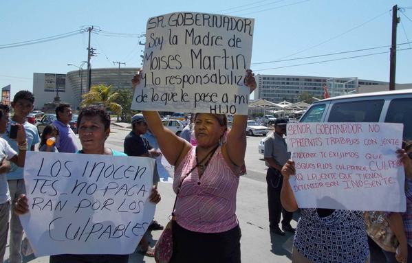Rape suspects' relatives protest in Acapulco