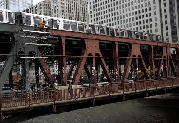 The double-deck Wells Street bridge, seen Monday, has been closed to street traffic and pedestrians since Nov. 5. Work on the bridge will affect CTA trains this spring.