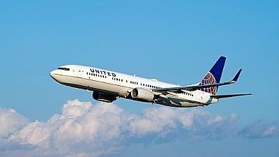 United Airlines aircraft takes flight.