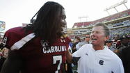 The debate over whether or not South Carolina defensive end Jadeveon Clowney should sit out the 2013-14 season to avoid risking injury is ridiculous.