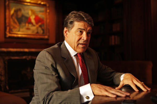 Texas Gov. Rick Perry, in Beverly Hills, talks about his campaign to lure California businesses to Texas.