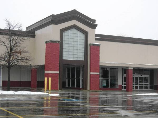 A strip mall near 63rd Street and Cass Avenue in Westmont has numerous empty storefronts.