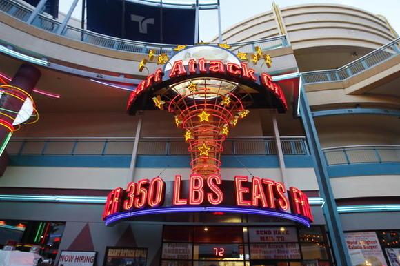 milkshakes flatliner fries cooked lard quadruple bypass burger 9982 calories