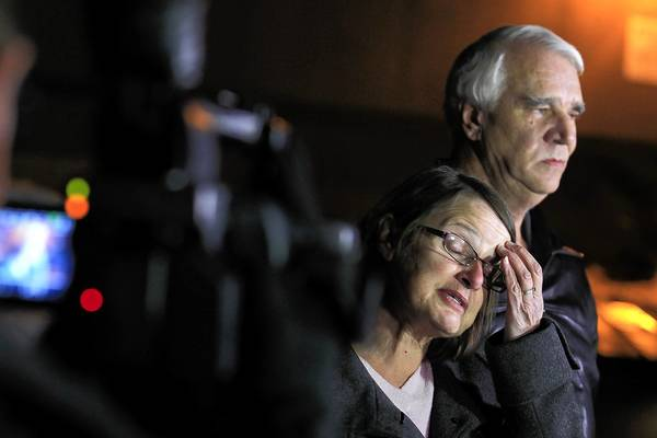 Karen and Jim Reynolds told reporters at a news conference Wednesday night that suspected killer Christopher Dorner bound their hands with plastic zip ties, stuffed small towels in their mouths and covered their heads with pillowcases that he tied with electrical cords.