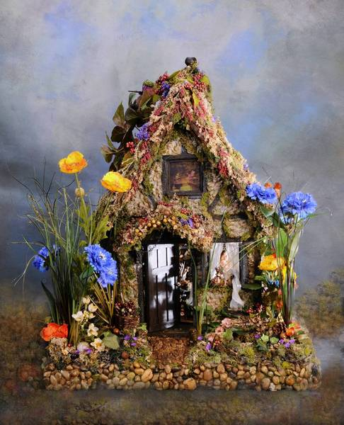 """""""Oen's Refuge"""" dollhouse by Melissa Hirst Chaple"""