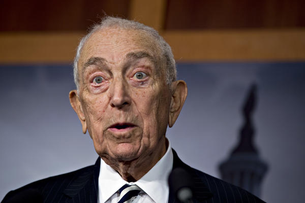 Sen. Frank Lautenberg, (D-N.J.) announced Thursday he will not seek reelection.