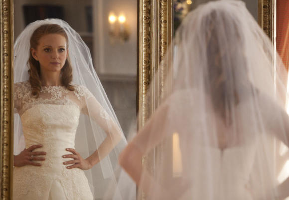 "Emma gets cold feet in Glee's ""I Do"" episode."