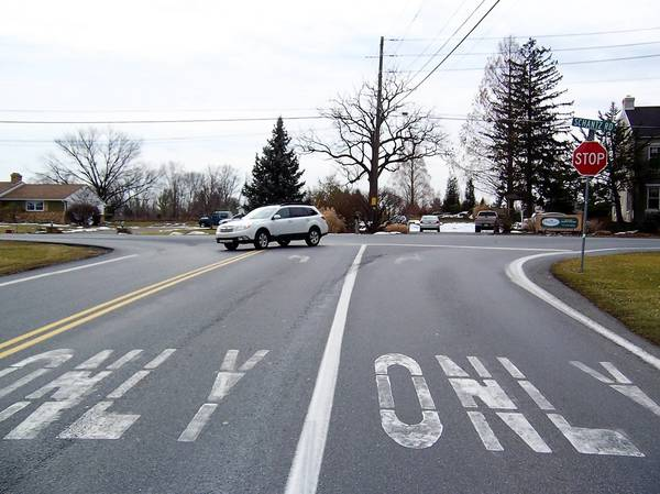Only one stop sign, for Blue Barn Road traffic, is posted at the 'T' intersection of Blue Barn and Schantz roads in Upper Macungie Township.